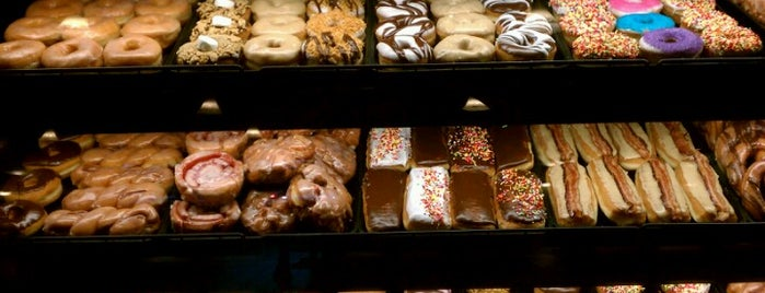 YoYo Donuts & Coffee Bar is one of Sounds Great!.