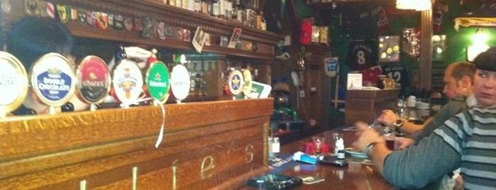 Mollie's Irish Pub is one of best pubs in Moscow.