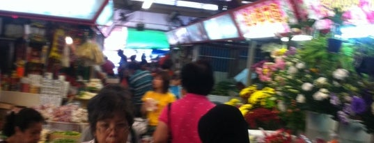 Redhill Market & Food Centre is one of Good Food Places: Hawker Food (Part I)!.