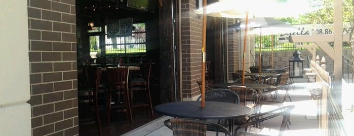 Mo Dailey's Pub and Grille is one of Food.