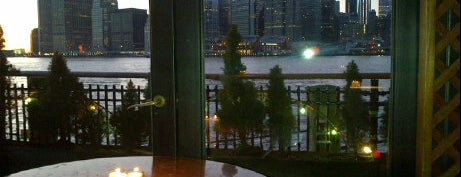 The River Café is one of Top 10 Most Romantic Restaurants in New York City.