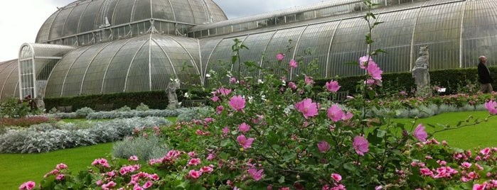 Royal Botanic Gardens, Kew is one of London.