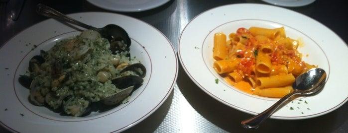La Mezzaluna is one of Restaurants in Pton.