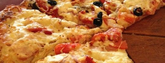 Tashir Pizza is one of Favorite Food.