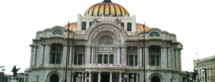 Palacio de Bellas Artes is one of Mexican favorites.