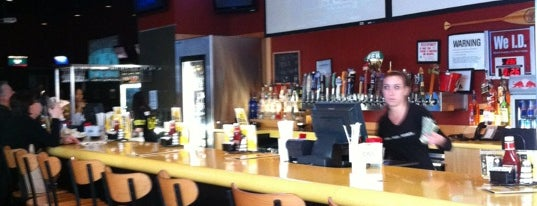 Buffalo Wild Wings Grill & Bar is one of Hudson Valley.