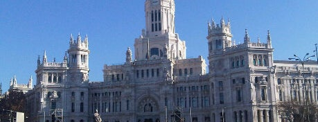 Plaza de Cibeles is one of Conoce Madrid.