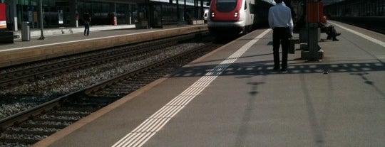 Bahnhof Aarau is one of Bahnhöfe.