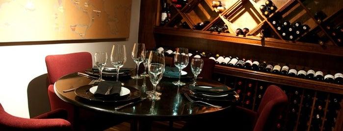 Medit Restaurante is one of Bares e Restaurantes.