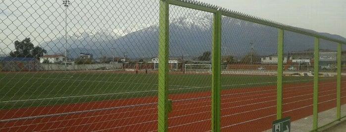 Estadio Municipal Puente Alto is one of Estadios.