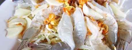 โกเก้า หาดยาวซีฟู้ด is one of ❀ ไปเที่ยวตรัง กินอะไรดีน้า?╭☆╯.