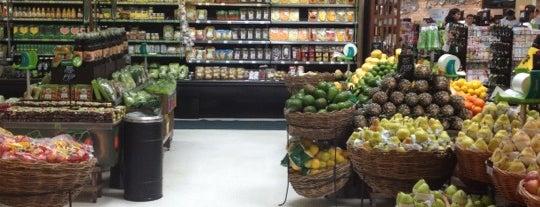 Pão de Açúcar is one of Comercio e Serviços.