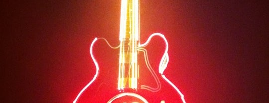 Hard Rock Café is one of Delhi Nightlife.