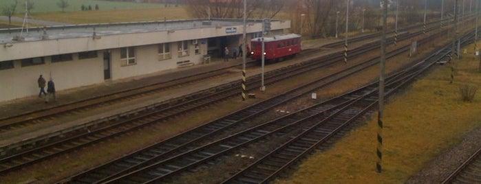 Železniční stanice Hněvčeves is one of Železniční stanice ČR: H (3/14).