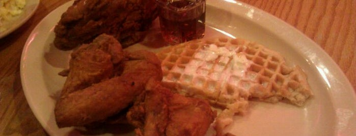 Roscoe's House of Chicken and Waffles - Long Beach is one of My Faves in Los Angeles.
