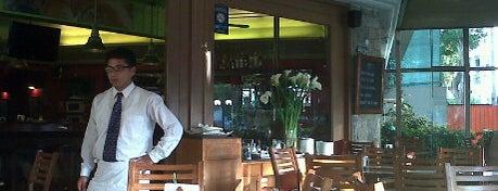 Antigua Bodega Dalmacia is one of Always Gourmet PERU, comer em Lima.