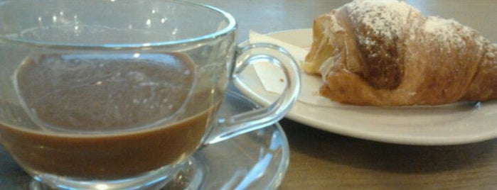 Caffetteria Italiana Caffé is one of Locali dove bere..