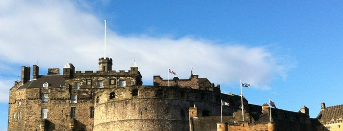 Edinburgh Castle is one of Spots.