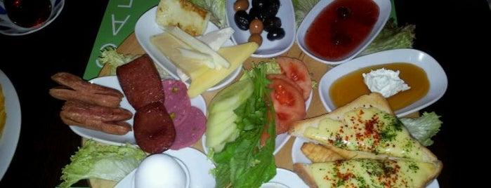 Cafe Le Manza is one of Kahve-altı.