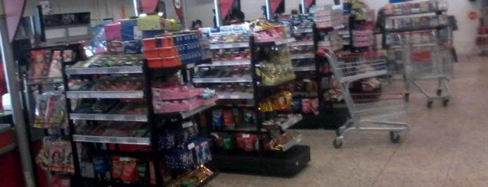 Supermercados Imperatriz is one of Lugares que já dei checkin.