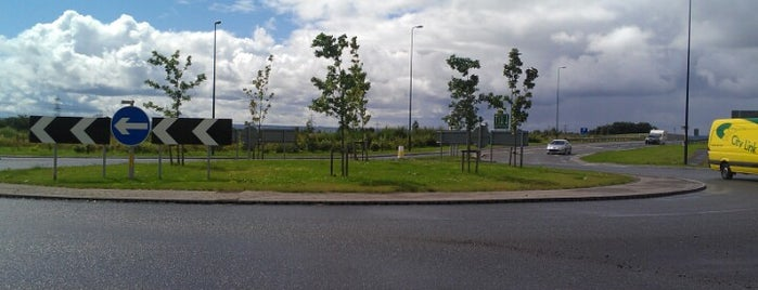Kilbagie Roundabout is one of Named Roundabouts in Central Scotland.