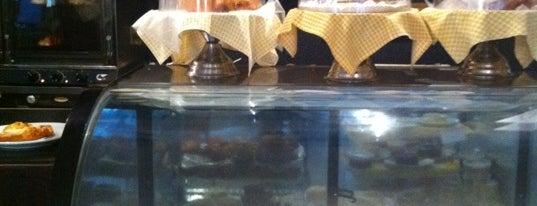 Bread & Co. is one of Desayuno.