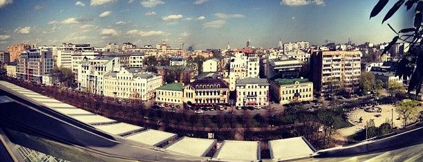 Антресоль is one of Летние веранды Москвы.