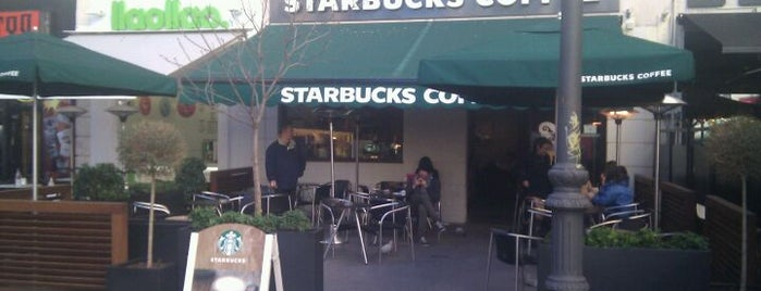 Starbucks is one of Bares, qué lugares!!.