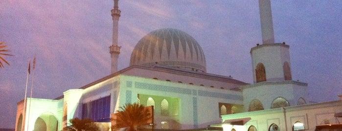 Masjid Jamek Sultan Ismail is one of masjid.