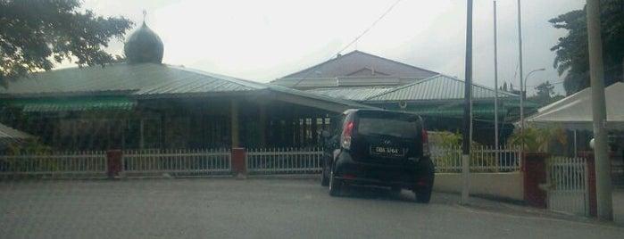 Masjid Ibnu Sina is one of Baitullah : Masjid & Surau.