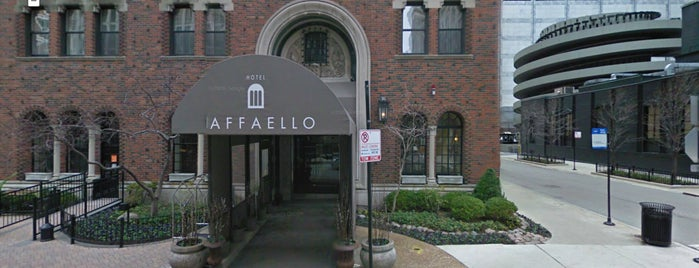 Raffaello Chicago is one of Dead Rock Star Tour.