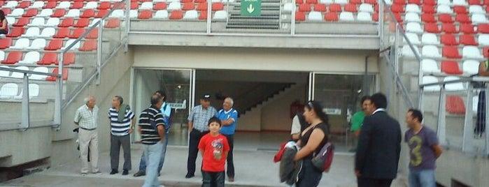 Estadio Bicentenario La Granja is one of Estadios.