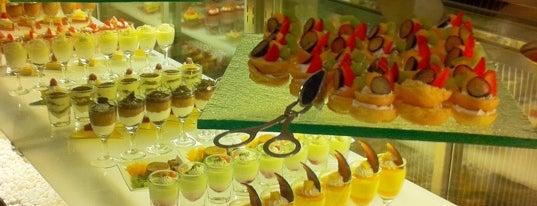 The Café -  Hotel Mulia Senayan, Jakarta is one of Favorite Food.