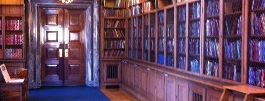 Rådhusbiblioteket is one of Biblioteker København.
