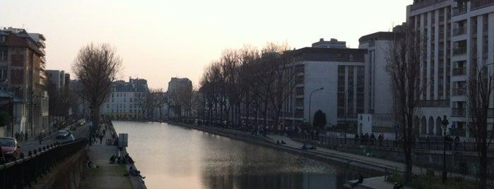 Canal Saint-Martin is one of เที่ยวช้อปปิ้ง Paris!.
