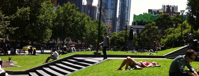 State Library Lawn is one of Love In Dear Melbourne.