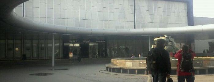 Ostrava hlavní nádraží is one of Linka S1/R1 ODIS Opava východ - Český Těšín.