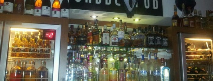 Cadde Pub is one of İzmir'de uğranılması gereken lezzet noktaları.