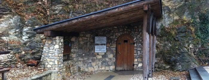 Pál-völgyi-barlang is one of Budai hegység/Pilis.