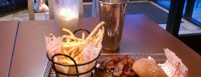 Smashburger is one of Kalamazoo's best spots #visitUS.