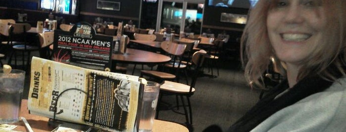Buffalo Wild Wings is one of Eateries!.