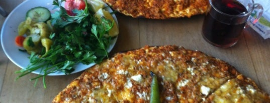 Öz Urfa Lahmacun is one of Türkisch Fast Food.