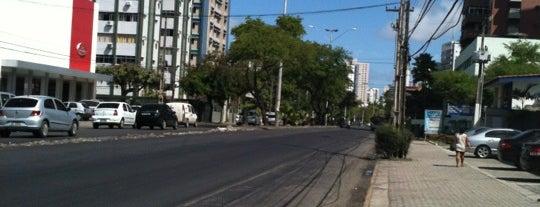 Avenida Engenheiro Domingos Ferreira is one of nicole.