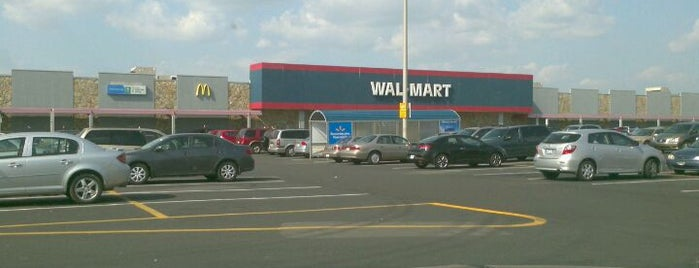 Walmart is one of Longueuil #4sqCities.