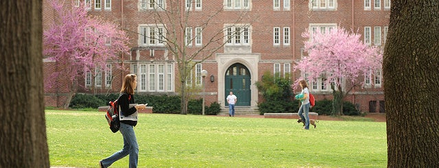 Vanderbilt University Alumni Lawn is one of Campus Tour Spots.