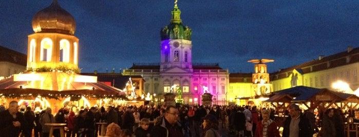 Weihnachtsmarkt vor dem Schloss Charlottenburg is one of Berlin - Drinks.
