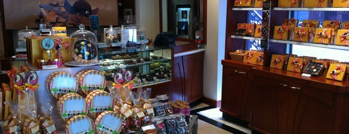 Godiva Chocolatier is one of Places I love to eat at.