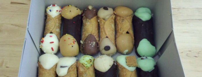Stuffed Artisan Cannolis is one of Visit to NY.