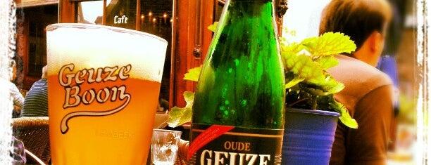 In de Blaauwe Hand is one of Must-visit Drinks in Nijmegen.