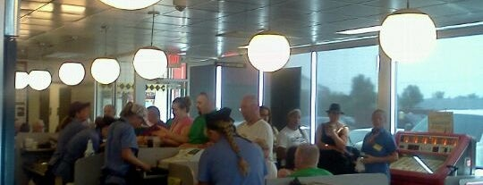 Waffle House is one of Good Eats~!.
